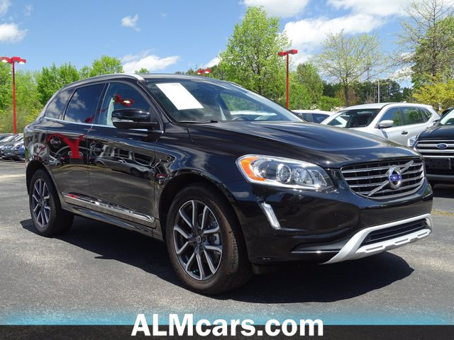 Pre-Owned 2017 Volvo XC60 Dynamic