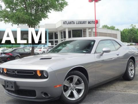 Pre-Owned 2018 Dodge Challenger SXT RWD 2dr Car